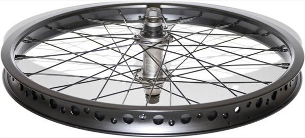 deluxe-flite-rear-wheel-done-e1354715004296