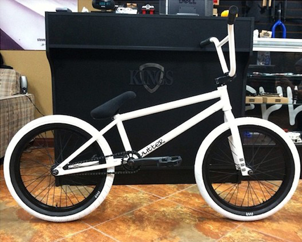 Paint White Wall Bike Tires