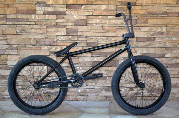 josh-alderete-bike-check2_600x