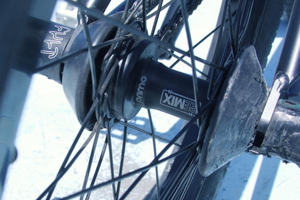 andrew-cast-bike-check8_600x