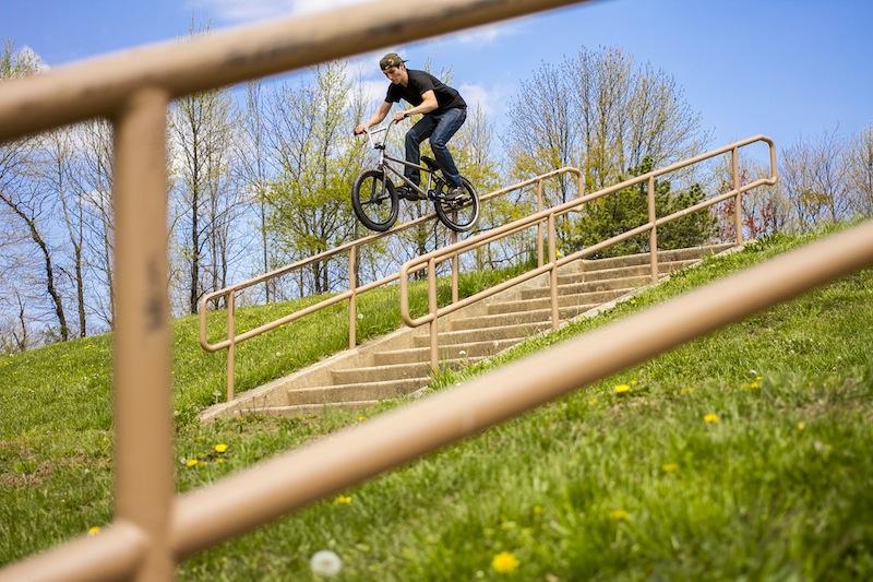 13-Nick Rosetti Feeble 11 Stair Round Rail