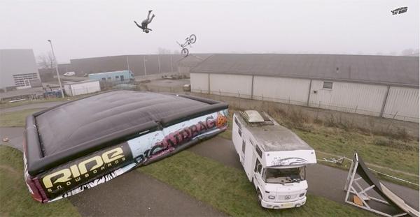 big-air-bag-bmx-video-1
