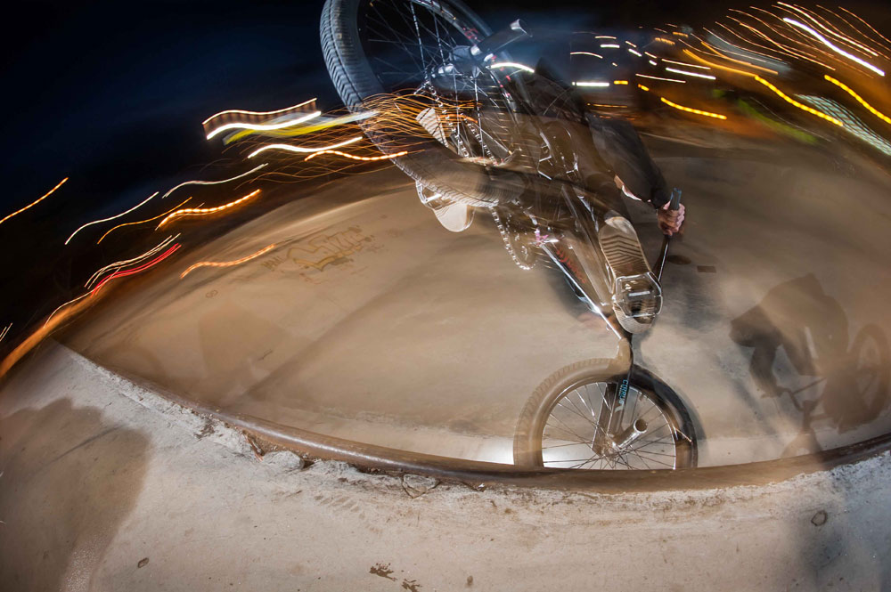 bmx-nose-manual-skatepark