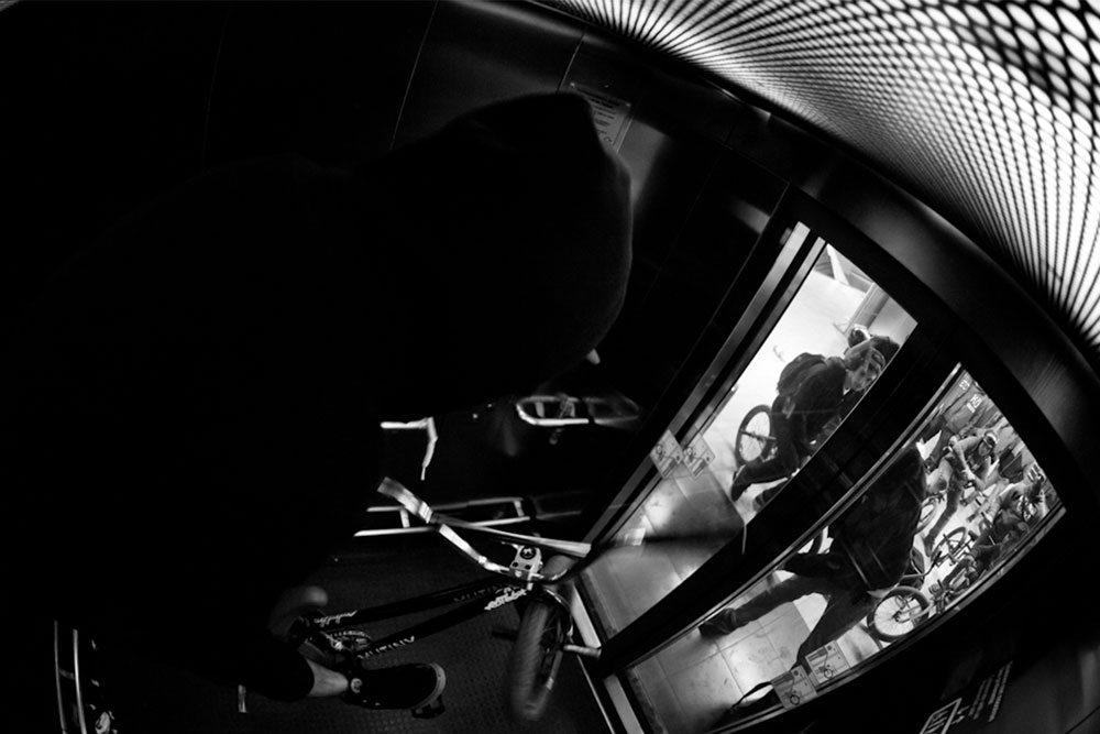 elevator-hop-barspin-bmx