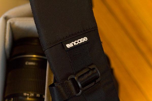 incase-dslr-pro-bag-strap