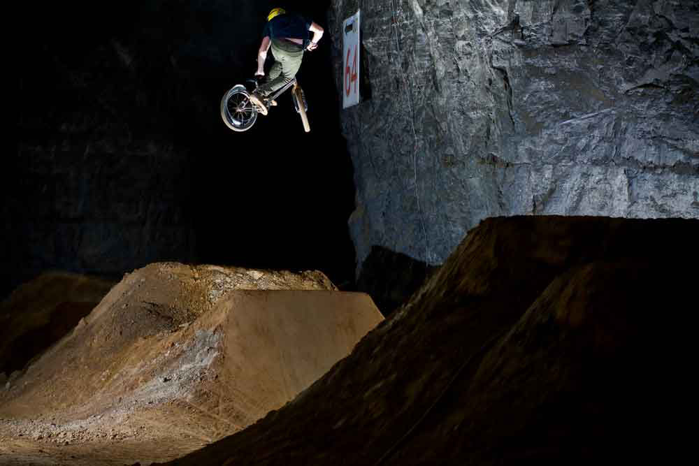 seat-grab-bmx-mega-cavern