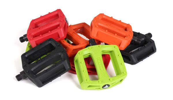 social-bike-co-budgie-bmx-pedal-colors