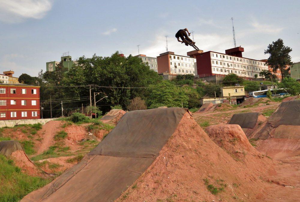 leandro-moreira-caracas-trails-bmx-360