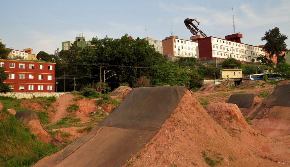 leandro-moreira-caracas-trails-bmx-bike-360