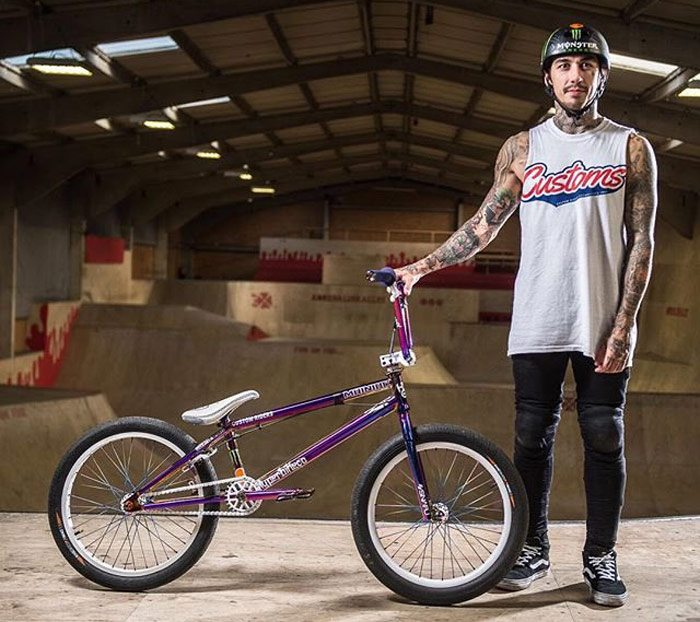 harry-main-off-custom-riders-bmx