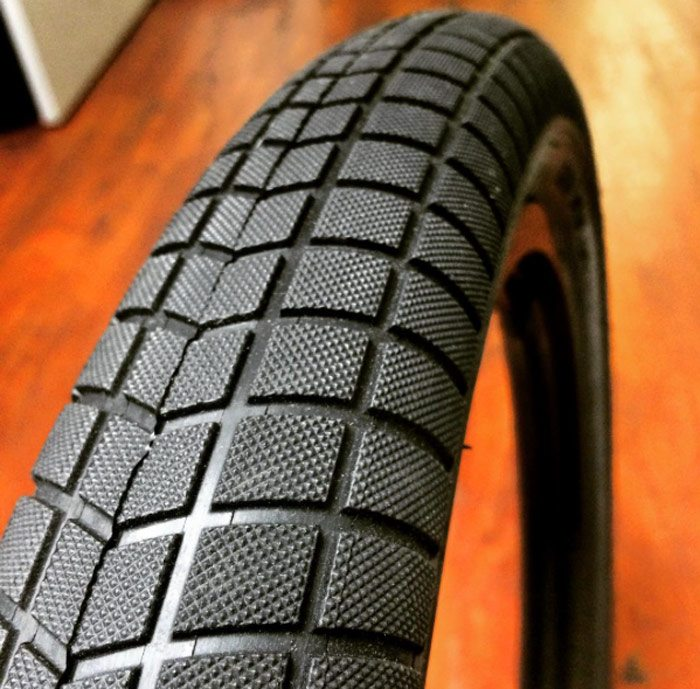 primo-v-monster-2-40-bmx-tire