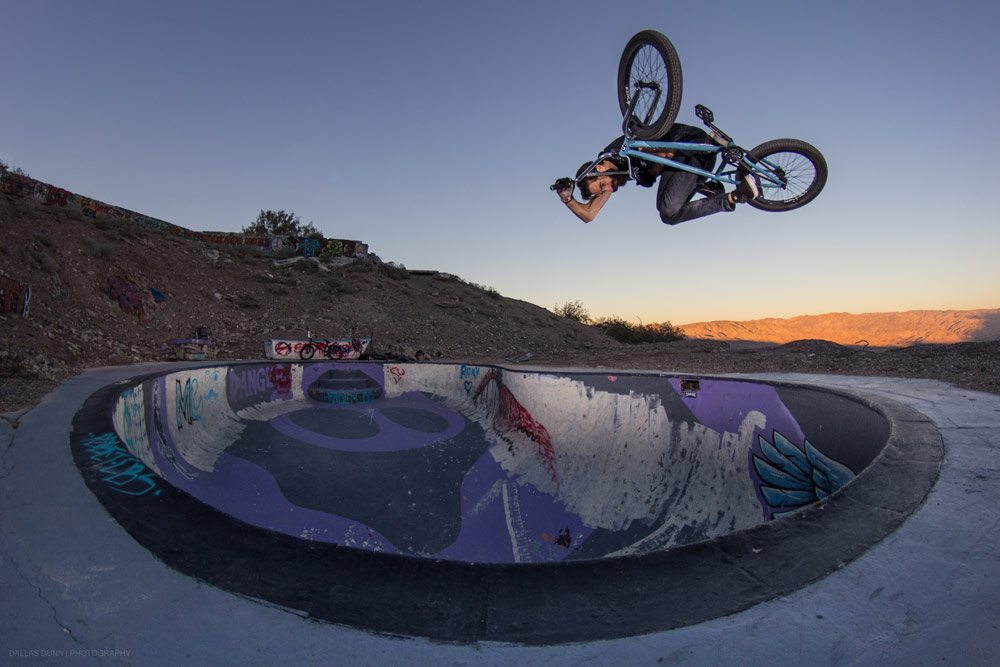 dallas-dunn-bmx-photo-andrew-lazaruk-nude-bowl-invert