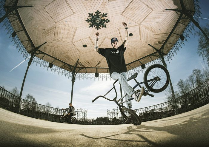 red-bull-matthias-dandois-viki-gomez-bmx-video-700x