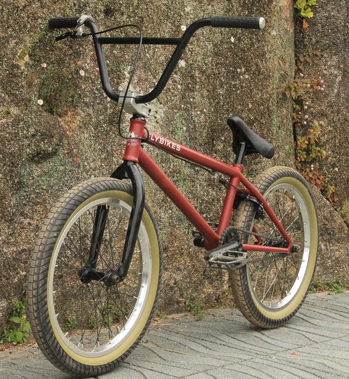 fly-bikes-joan-balmana-bike-check-front-angle