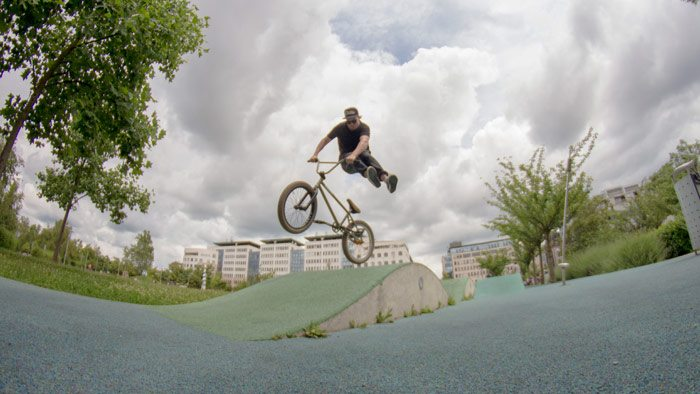 slovenia-bmx-no-foot-can-can