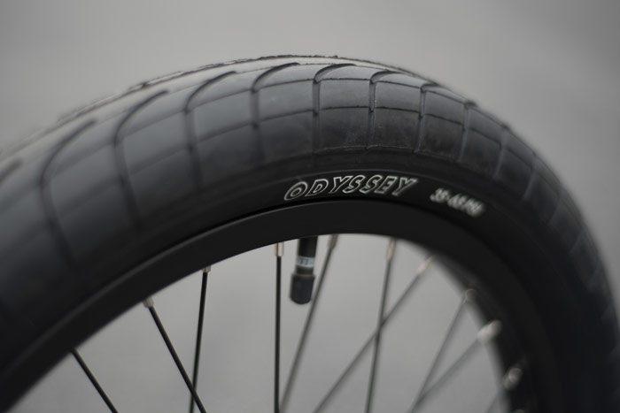 sunday-bikes-2017-erik-elstran-ex-complete-tires