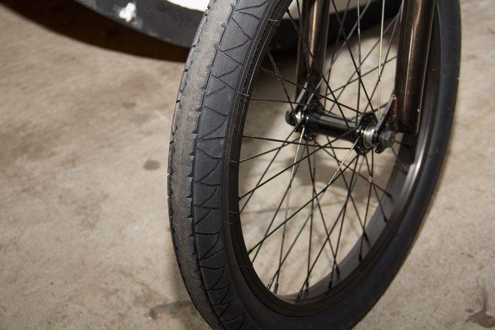 bk-gt-bicycles-2017-bmx-bike-pool-tire