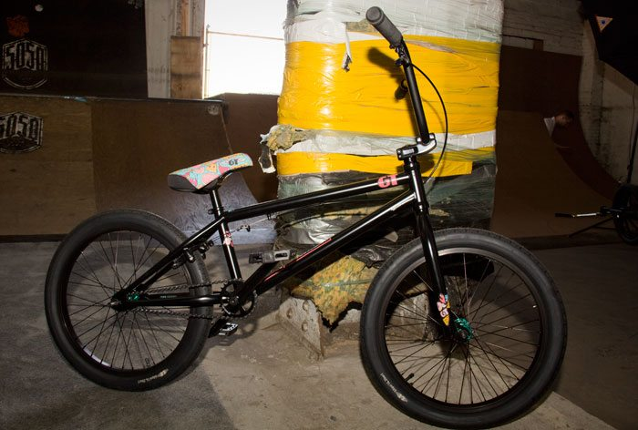 performer-gt-bicycles-2017-bmx-bike-black-full