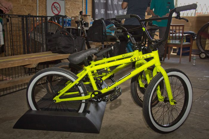performer-gt-bicycles-2017-bmx-bike-yello