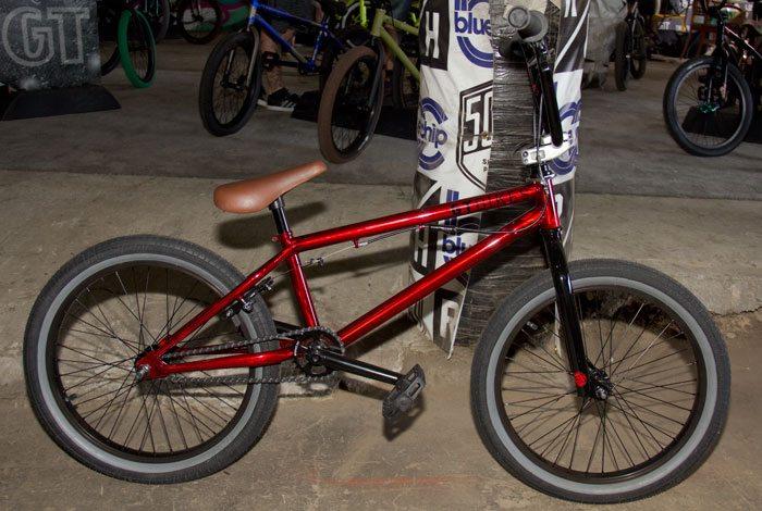 slammer-gt-bicycles-2017-bmx-bike-red