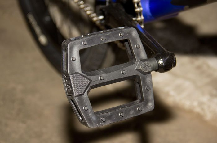 wise-gt-bicycles-2017-bmx-bike-pedal