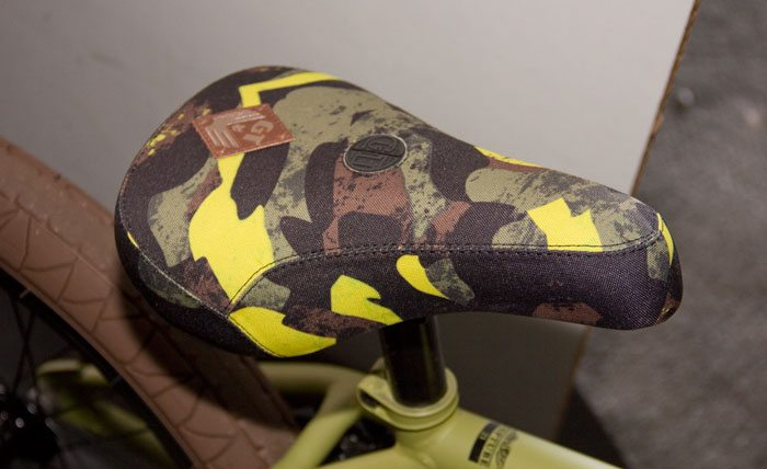 wise-gt-bicycles-2017-bmx-bike-yellow-camo-seat
