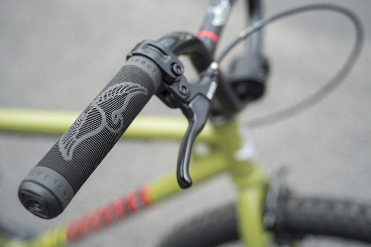 fairdale-bikes-2017-taj-complete-bike-grips