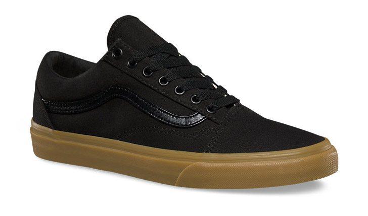 vans-canvas-gum-old-school-black-angle