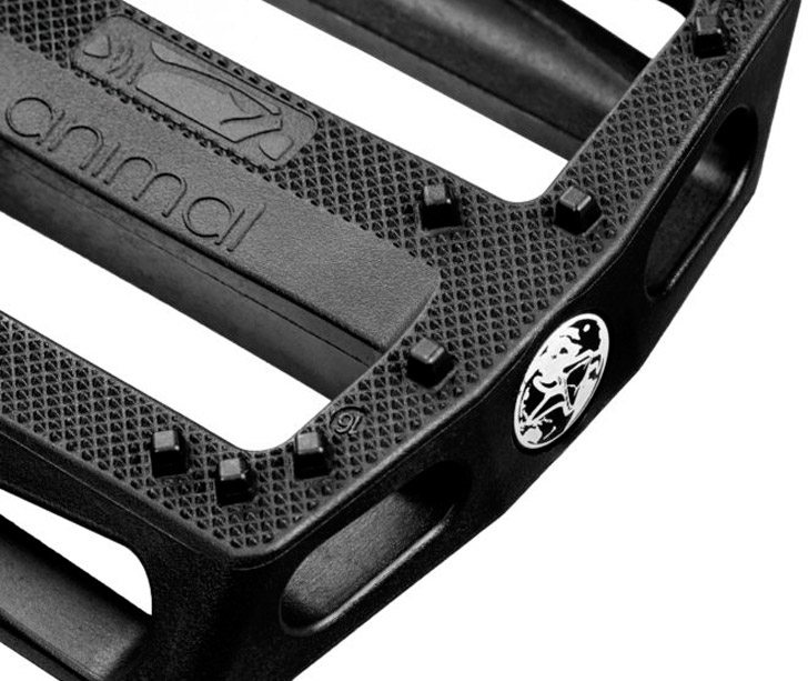 animal-bikes-rat-trap-bmx-pedals-detail