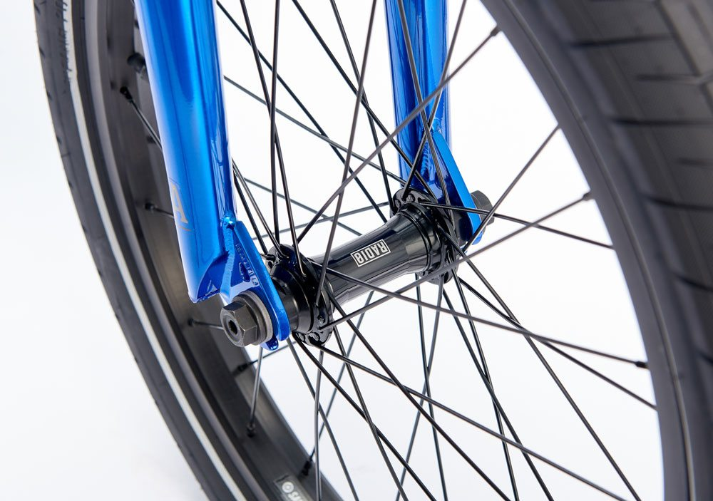 radio-bikes-2017-astron-complete-bmx-bike-blue-front-hub
