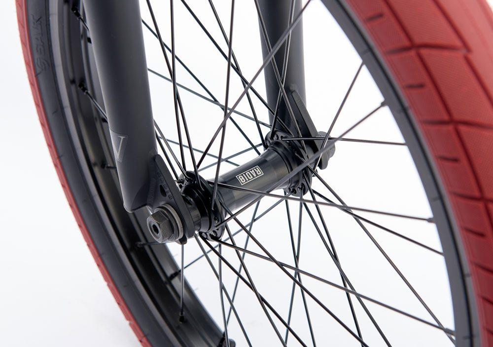 radio-bikes-2017-complete-bmx-bike-valac-black-front-hub