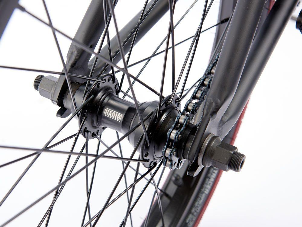 radio-bikes-2017-complete-bmx-  bike-valac-black-rear-hub