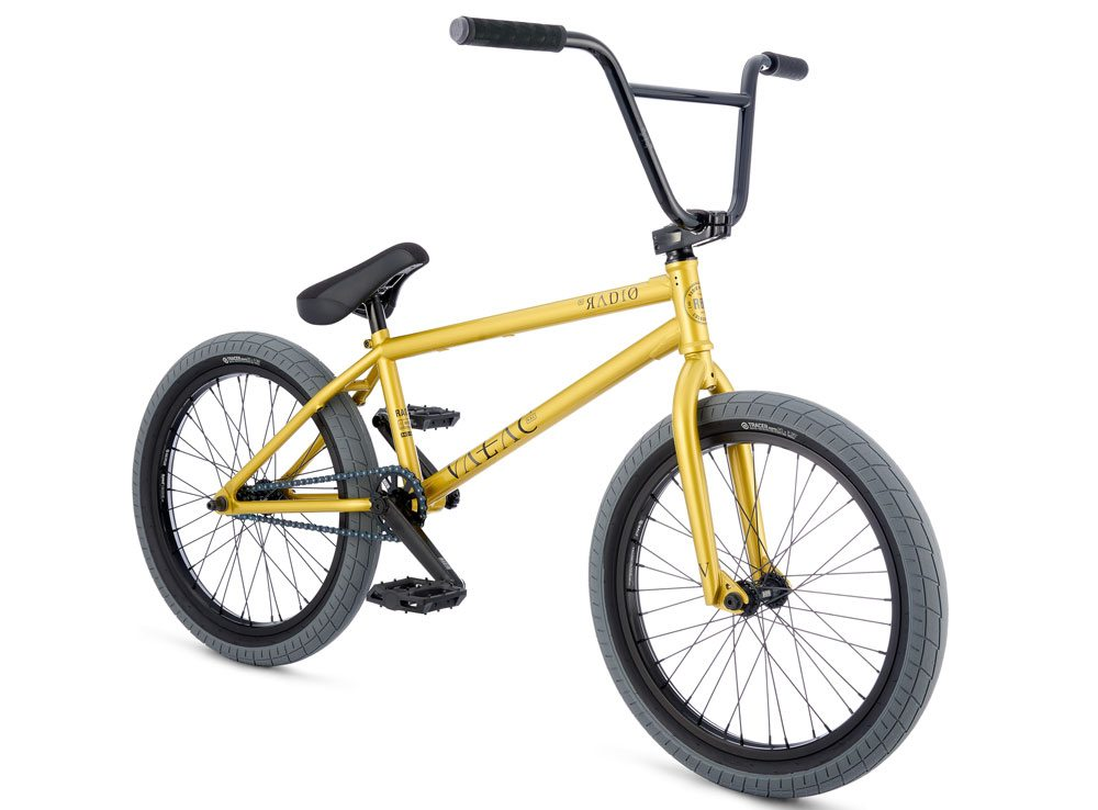 radio-bikes-2017-complete-bmx-bike-valac-gold-angle