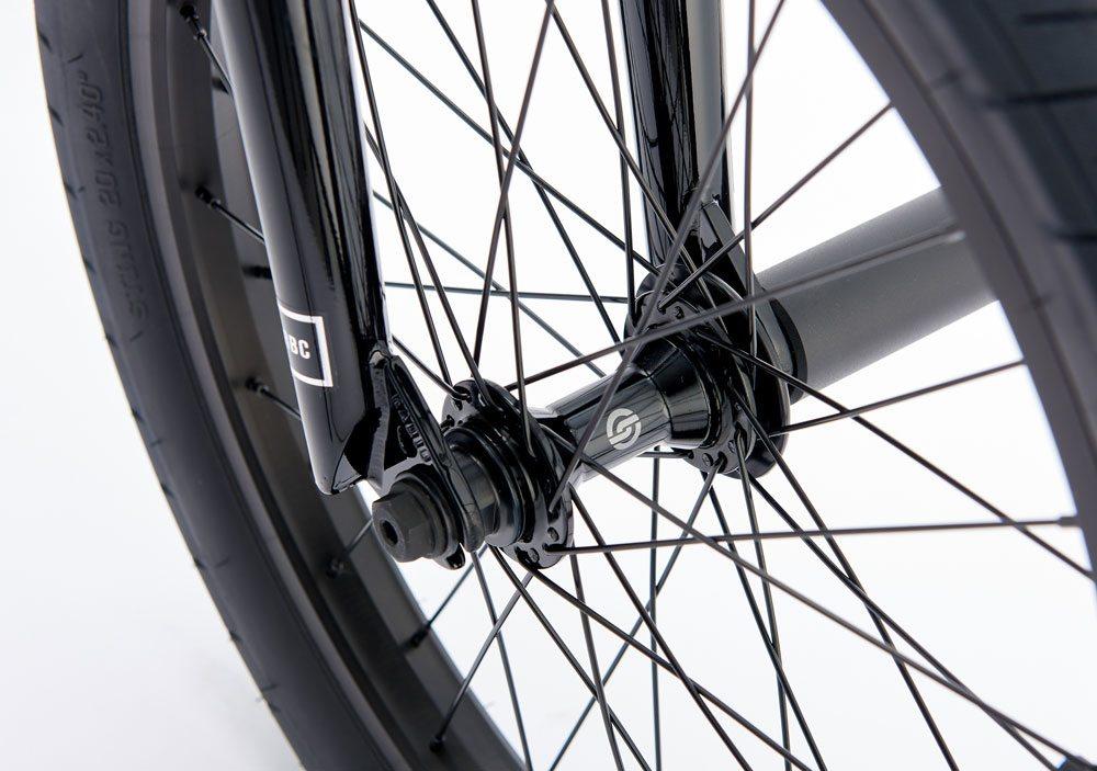 radio-bikes-2017-comrad-complete-bmx-bike-front-hub