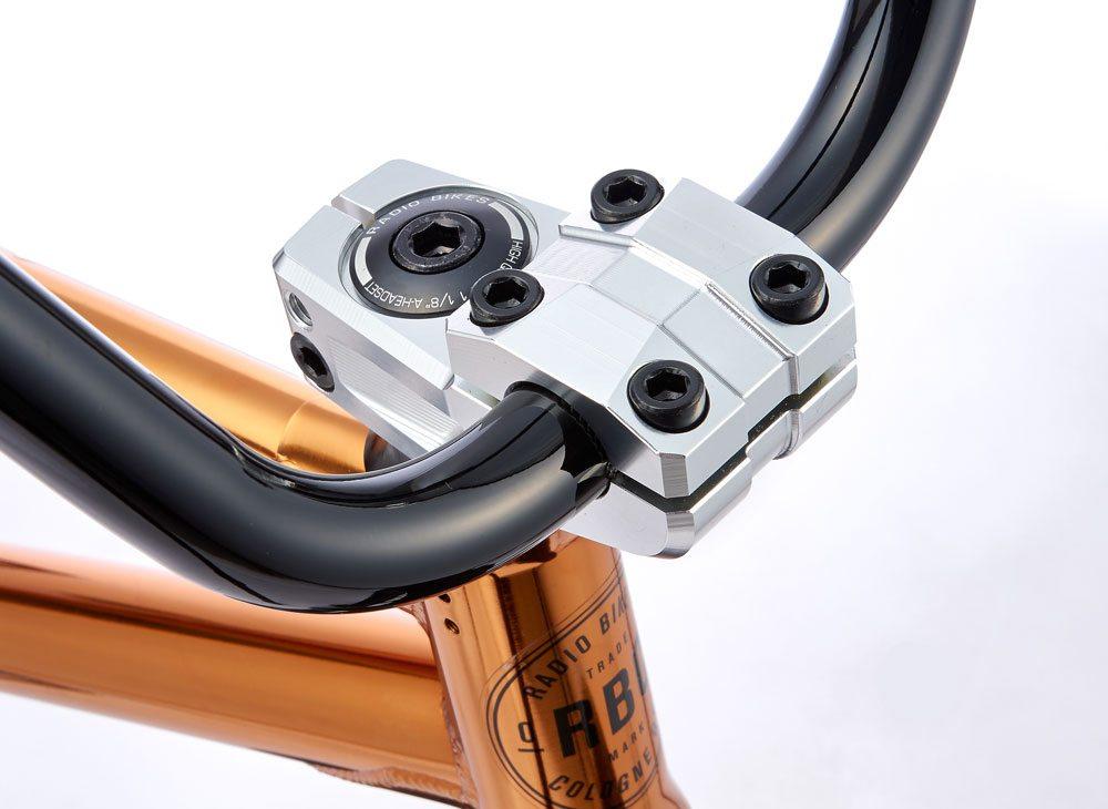 radio-bikes-2017-comrad-complete-bmx-bike-stem