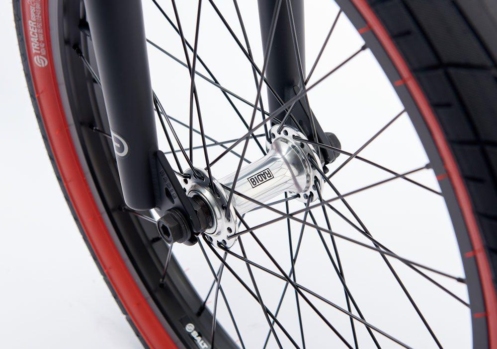radio-bikes-2017-darko-complete-bmx-bike-black-front-hub