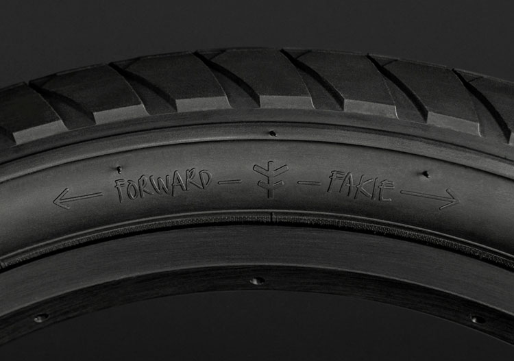 flybikes-fuego-bmx-tire-black-side-forward-fakie