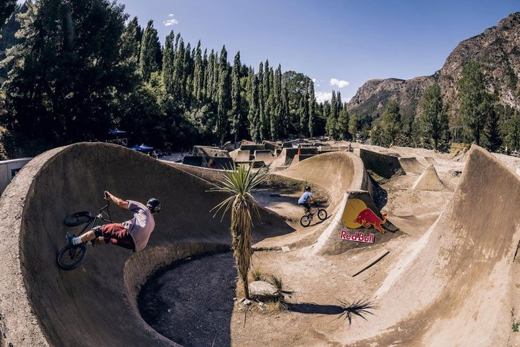 red-bull-new-zealand-bmx-adventure-gorge-road-bmx-video