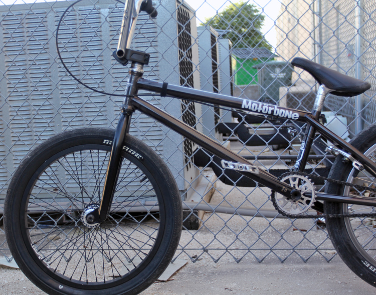 Sean Burns BMX Bike Check Eclat Bone Deth