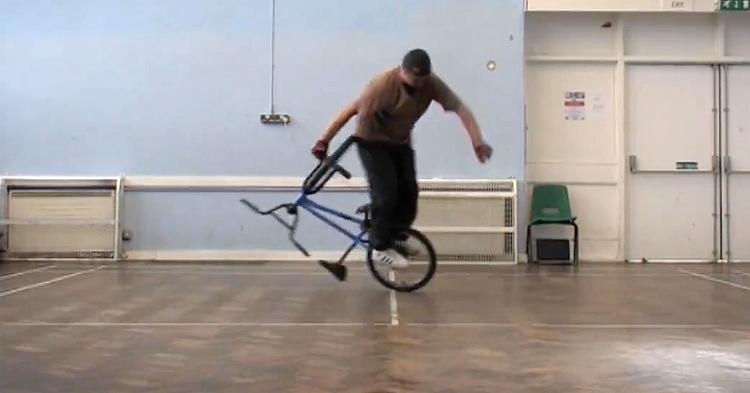 Ride On Talks To Effraim Catlow BMX video