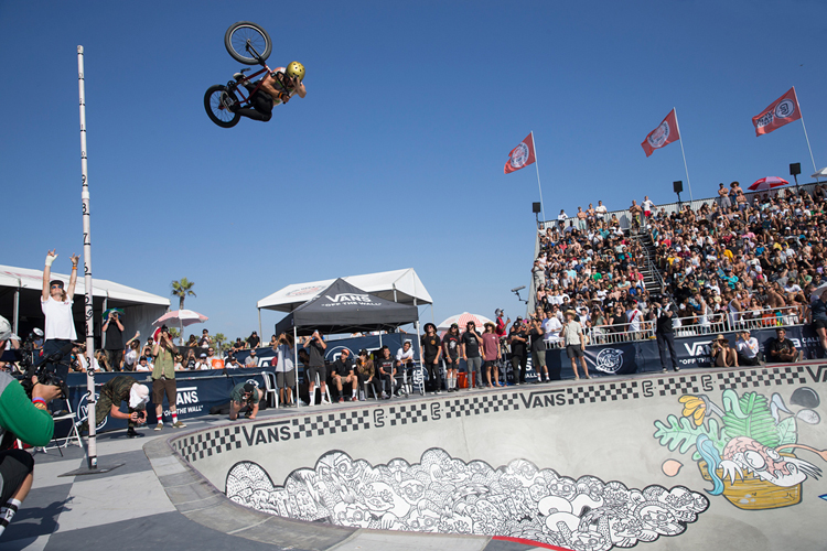 Vans BMX Pro Cup Huntington Beach Larry Edgar High Air