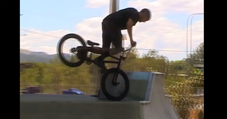 Crispy Stream Chronic Bone Big Mac BMX video