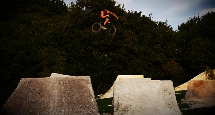 Stranger Things BMX Villa Road