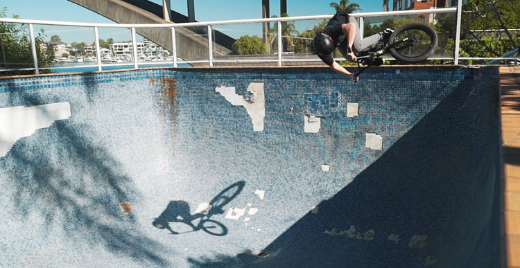 Sydney Pool Session One Hitter BMX video