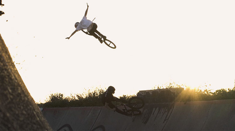 "Flybikes ""Journeys"" – Sergio Layos & Sem Kok In Madrid"