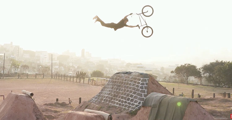 Colony BMX – Paulo Saçaki