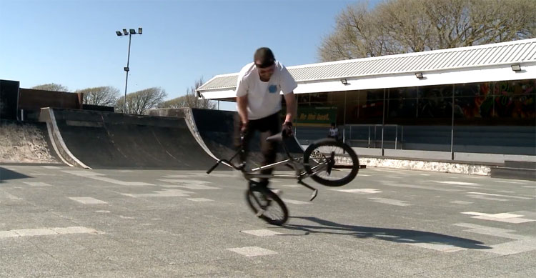 Effraim Catlow Pro Rider Responsibility BMX video