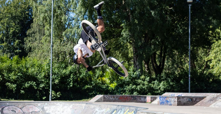 Kriss Kyle Canon Firsts BMX video