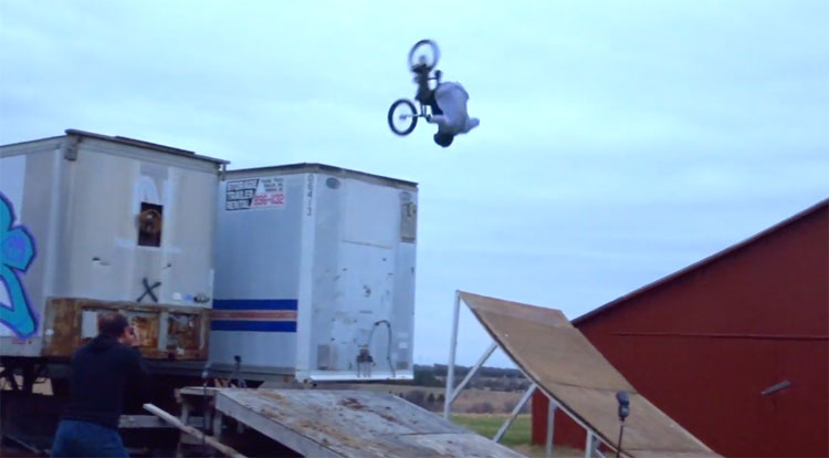 Chuck Covey Welcome to Nowear BMX Video
