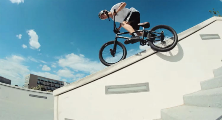 Clement Carpentier Robin Bourhis Do It Yourself BMX video